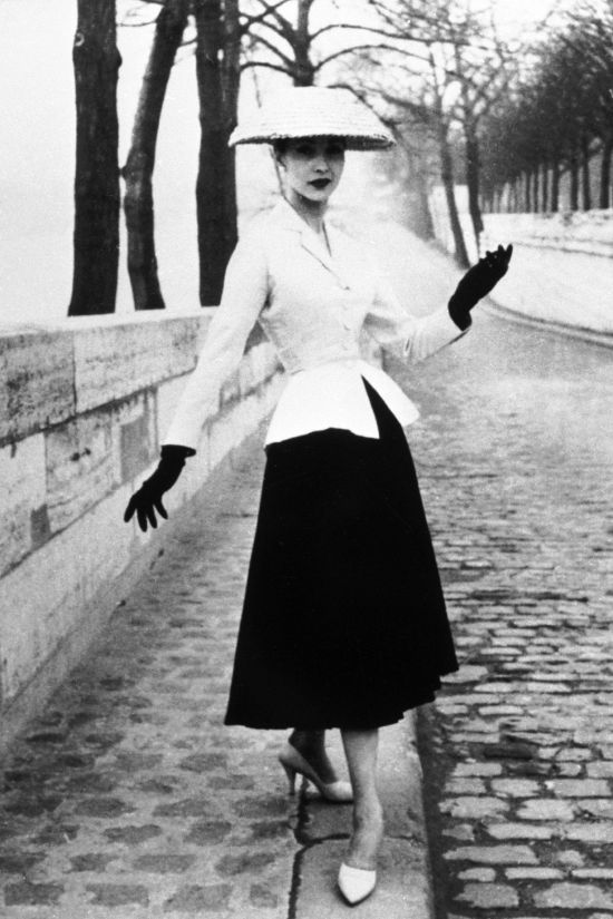 Dior's New Look, 1947, fashion silhouette, iconic, revolution, classic