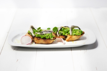 Bymark - peas on crustrinis - summer patio menu