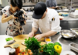 Chef plating, jiali taking super close up images